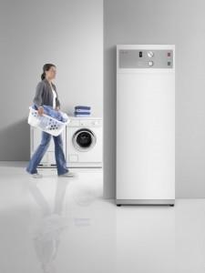 Hervorragend geeignet für die Nutzung selbst erzeugten Solarstroms: die Warmwasser-Wärmepumpe WWK 300 PV von Stiebel Eltron