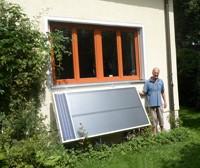 Heinrich Kreuzinger aus München, der bei der Trocknung seines Kellers auf die Installation einer Solarlüftung setzt, ist begeistert