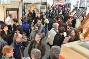 Gefüllte Gänge und rege Gespräche an den Messeständen der GETEC 2015