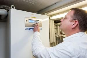 Mit den RWE-Batteriespeichern wird der Solarstrom vom eigenen Dach gespeichert und bestmöglich selbst genutzt (Fotograf/Copyright Lutz Kampert, Dortmund)