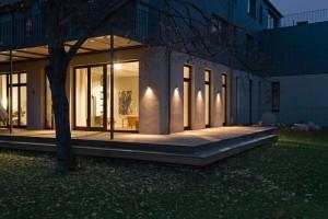 Beleuchtung von Haus und Garten sorgt für Stimmung und mehr Sicherheit