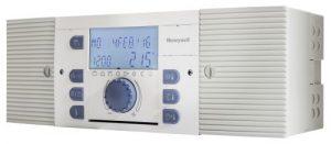 Der Smile-Controller von Honeywell ist ein intelligenter Multivalent-Regler, der alle Arten von Wärmeerzeugern regelt: Öl-/Gas-Heizkessel, Feststoffheizungen, Solarsysteme, Wärmepumpen, Fernheizungen, mehrstufige Kesselanlagen und komplexe Multivalentanlagen (Bild: Honeywell)