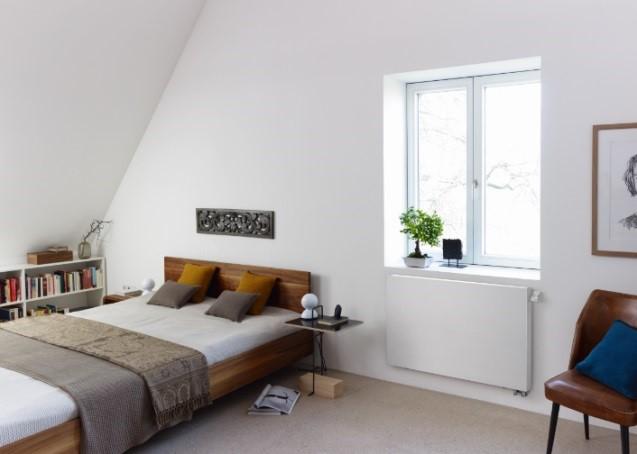 Jederzeit smarte und energieeffiziente Wohlfühlwärme: Design-Heizkörper Zehnder Zmart eValve mit intelligenter Steuerung und Smart Home-Funktionen