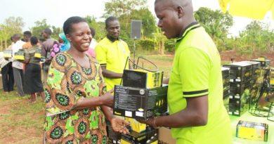 KOSTAL-Solardorf in Uganda vollständig mit Strom versorgt
