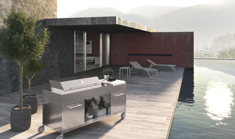 Ilve Outdoorküche mit BBQ-Elementen aus rostfreiem Edelstahl