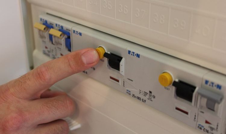 FI-Schalter regelmäßig überprüfen