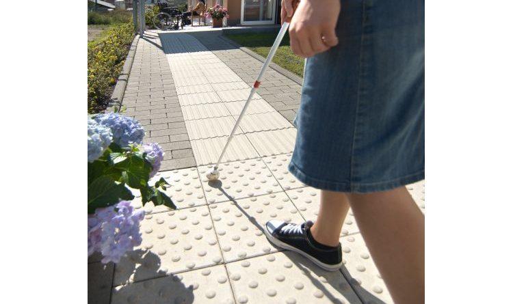 Blindenleitsteine von KANN verbessern die Orientierung