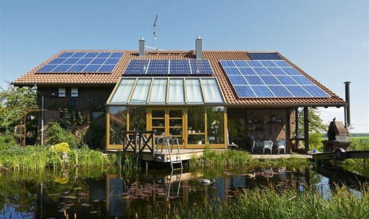 Das E-Auto mit Solarstrom vom eigenen Dach laden
