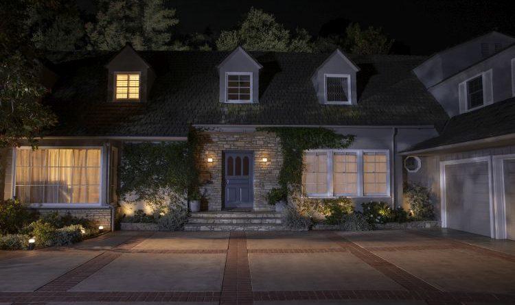 Sicherheit für das unbewohnte Zuhause: Studie von Signify beleuchtet die größten Bedenken von Urlaubern