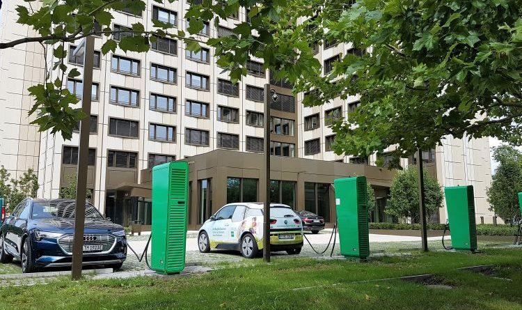 Mit ISO-Standard 15118 Elektroautos ohne Ladekarte laden: BayWa und Hubject starten Projekt