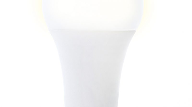 Produkt des Monats: InLine Smarte Steckdosenleiste und Smarte LED-Lampe